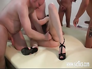 Picture Brutally Gang Bang Fist Fucked Young Amateur...