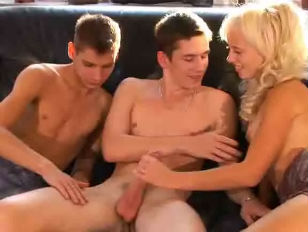 Bi Teens Threesome...