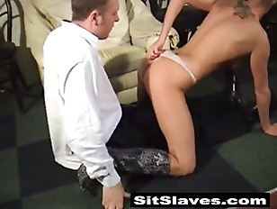 Picture Bald Enligsh Dominatrix Using Her Wet Pussy...