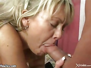 Hot Blond Wet Milf...