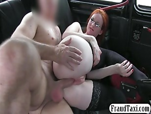 Picture Babe Flashes Her Pussy And Fucked With Drive...