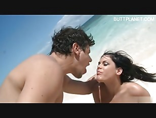 Picture Cute Girlfriend Sex On Beach