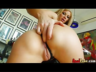 Julia Taylor Shows Off...