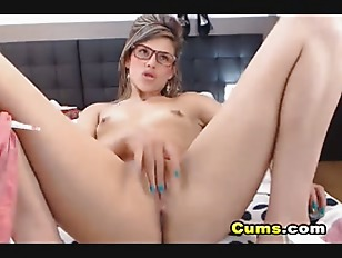 Picture Horny College Girl Masturbates In Her Bed