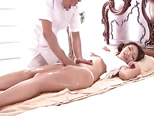 Delivery Oil Massage Young Wife REIKO