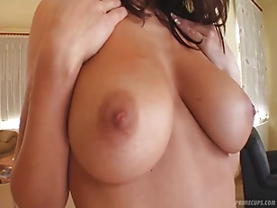 pussy_1066037