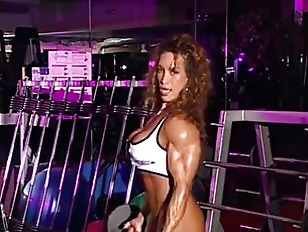 Picture Bodybuilder Milf In Training