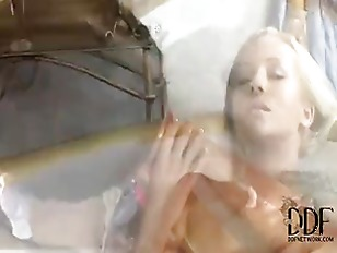 Picture Lesbian Pussy Foot Play