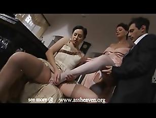 Jessica Fiorentino In Classy...