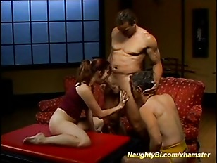 bisexuals fucking and executing a menage a trois