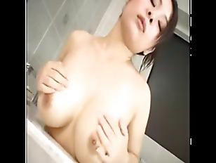Busty Hot Chick Massgae...
