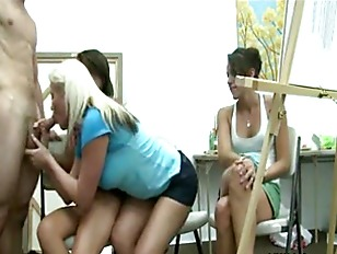 Hot babes cfnm style suck cock like pros in drawing studio