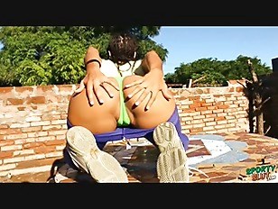 Round Ass Latina Stretching...