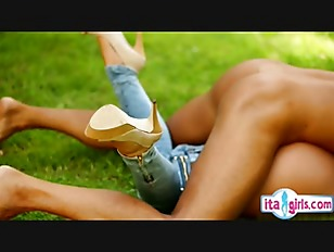Picture Horny Girlfriend Fuck On Grass