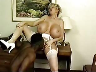 Nude girl foto porno kayla kleevage