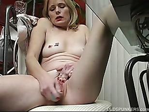 Sexy Mature Babe Talks...