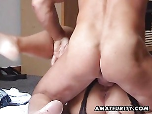 Picture Chubby And Busty Amateur Milf Fucks With Han...