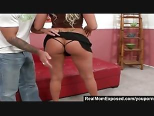 Amber Kentucky Porn - RealMomExposed – Amber Kentucky : It s Finger Lickin Good!