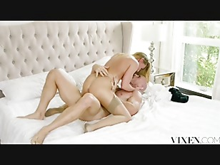 Picture VIXEN Hot Assistant Carter Cruise Lets Her B...