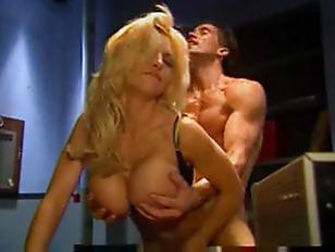 briana-banks-porn-tube-viva-la-bam-where-the-fuck-is-santa