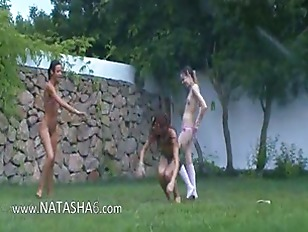 Picture Russian 20y-Girls Watersports In The Garden