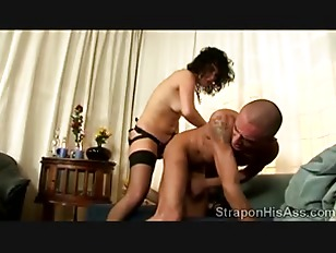 Picture Young Brunette Smashes Her Boyfriends Ass Ho...