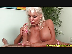 Creamy squirt cam