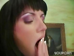 Sexy Slut Sarah Twain...