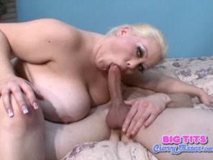 Picture Huge Tits On Bunny De La Cruz
