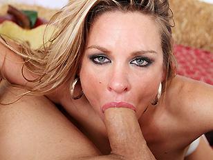 Cougar Amanda Loves Blowjobs...