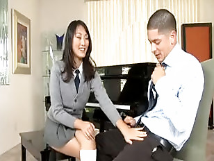 Horny Asian Schoolgirl Evelyn...