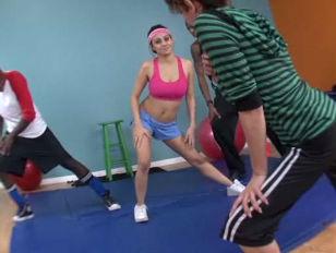 Vanessa Leon Latina Workout...