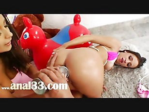 Picture Butt Threesome Playing With Cream