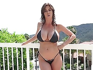 Stepmom Alexis Fawx Uses...