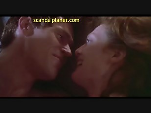 Picture Julianne Moore Nude Sex Scene In Body Of Evi...