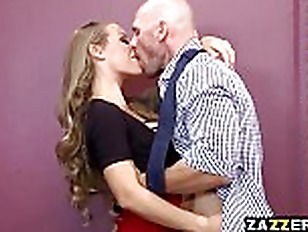 Nicole Aniston blowjobs Johnny...