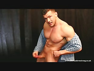 Bisex Hunk Pecs Jizzed