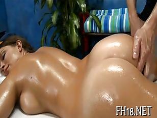 Sexy Babe Get Nailed...