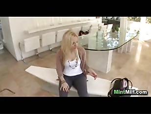Picture Blonde Milf Does Anal