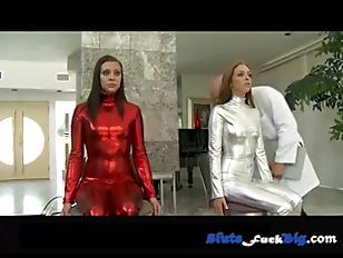 Iliza shlesinger hot body