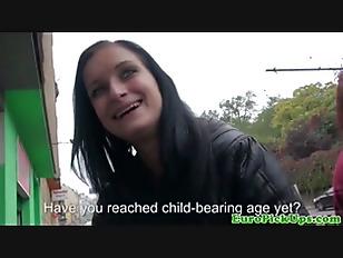 Publicsex Euro Slut Flashing...
