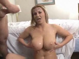 Hot Sexy Oiled Sara...