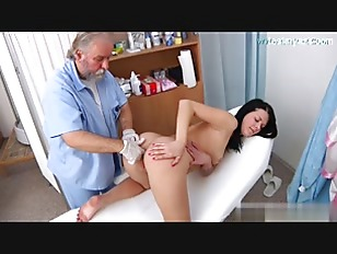 Young amateur pussy checking
