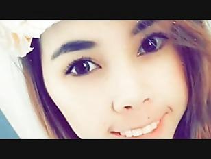 ハーフパンツの女子中学生が白髪の変態ジジイにセクハラされてベロチューの校生系動画