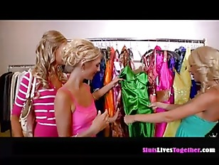 Picture Three Pretty Ladies