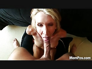 Milf swallowing cum