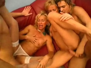 GRANDMOTHERS FUCKED BY YOUNG...