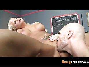 Auteur Of Tits