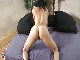 Subtle Princess Sucking In...