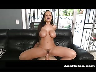 lisa-ann-squirts-on